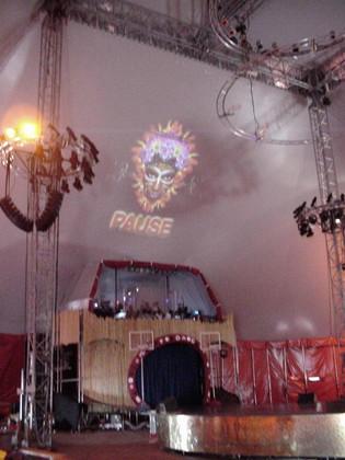 Bühnenplastik für die Show Afrika Afrika II, Wien 2009 von  Atelier Werkall,