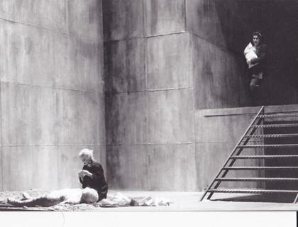 Bühnenmalerei Beton verwittert für das Ulmer Theater,  Atelier Werkall,1999